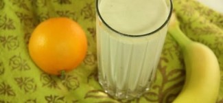 BANANA SMOOTHIE : Kids Recipe
